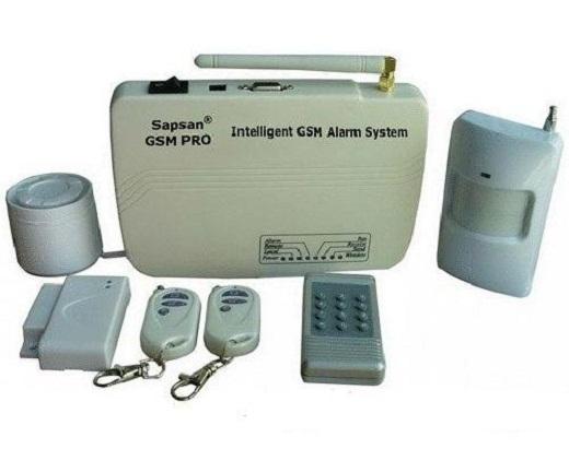 На фото комплект GSM сигнализации для гаража