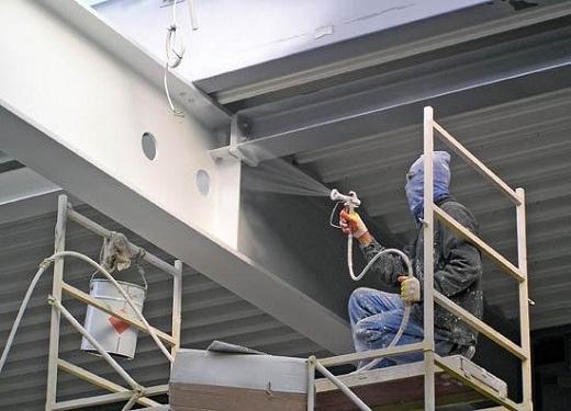 На фото металлоконструкции, покрываемые краской для защиты от огня