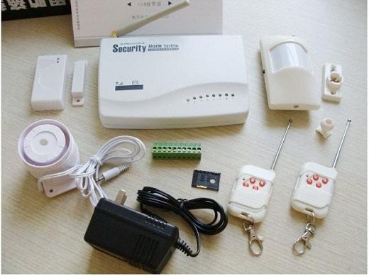 На фото представлена охранная GSM сигнализация с датчиком движения