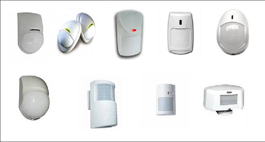 На снимке различные виды датчиков для сигнализации