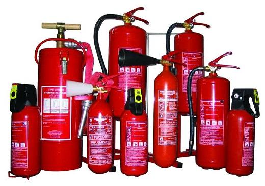 На фото различные виды огнетушителей