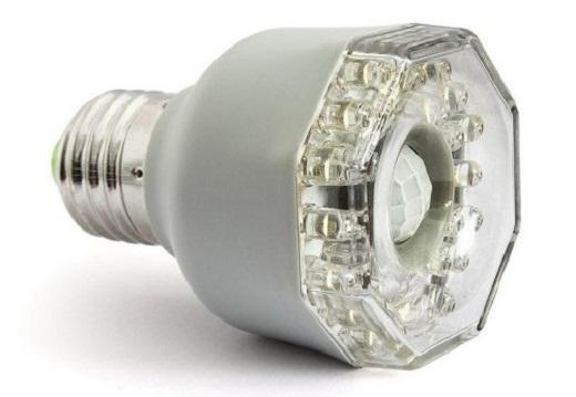Светодиодная лампа с датчиком движения на снимке