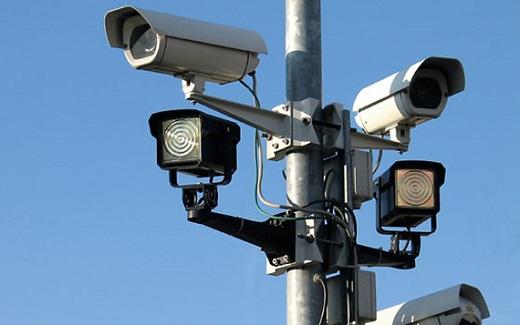 На снимке пример уличных видеокамер